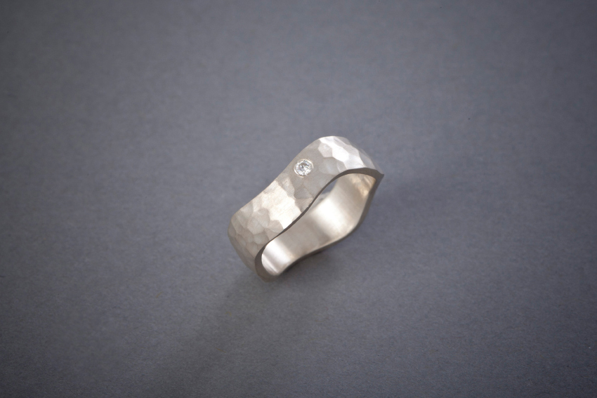 013 Wellenring, Silber, geschmiedet, Brillant ab € 288,-