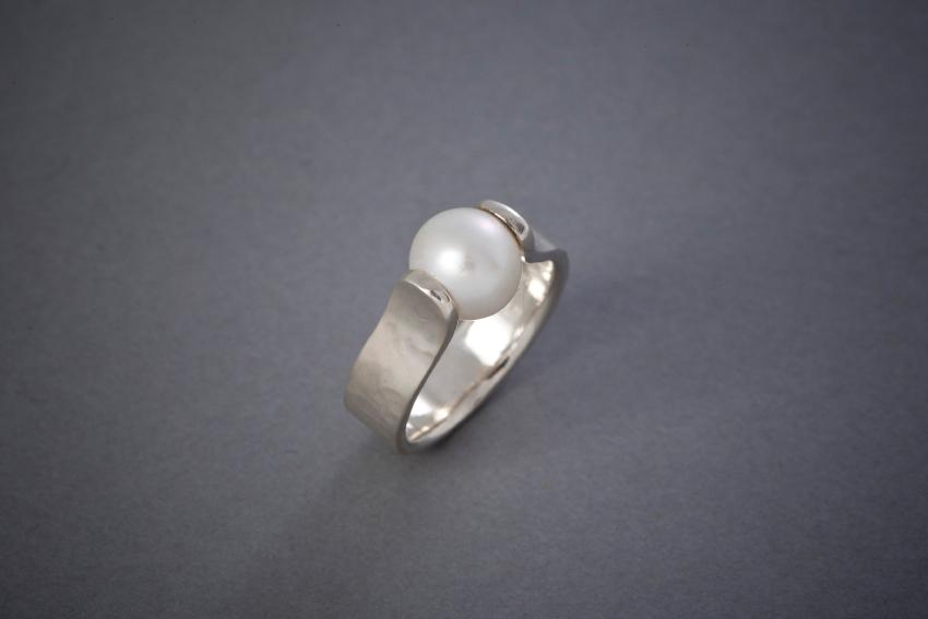 016 Perlenring, Silber, geschmiedet ab € 186,-