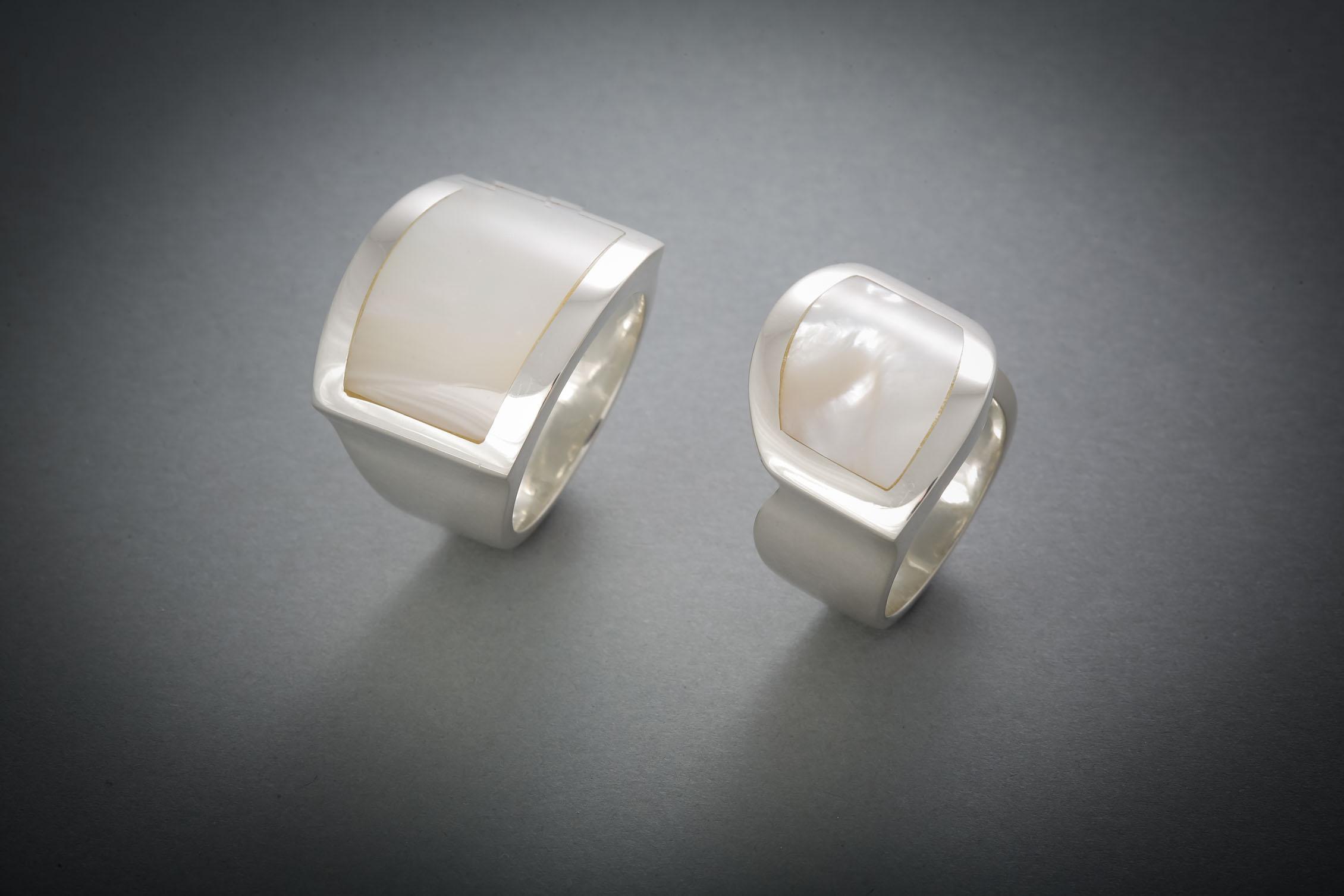 022 Silberring, Perlmutt à € 228,-