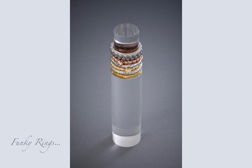 030 Sammelringe, Silber, Silber vergoldet à € 44,- Silber, Silber vergoldet mit Zirkonia à € 58,-