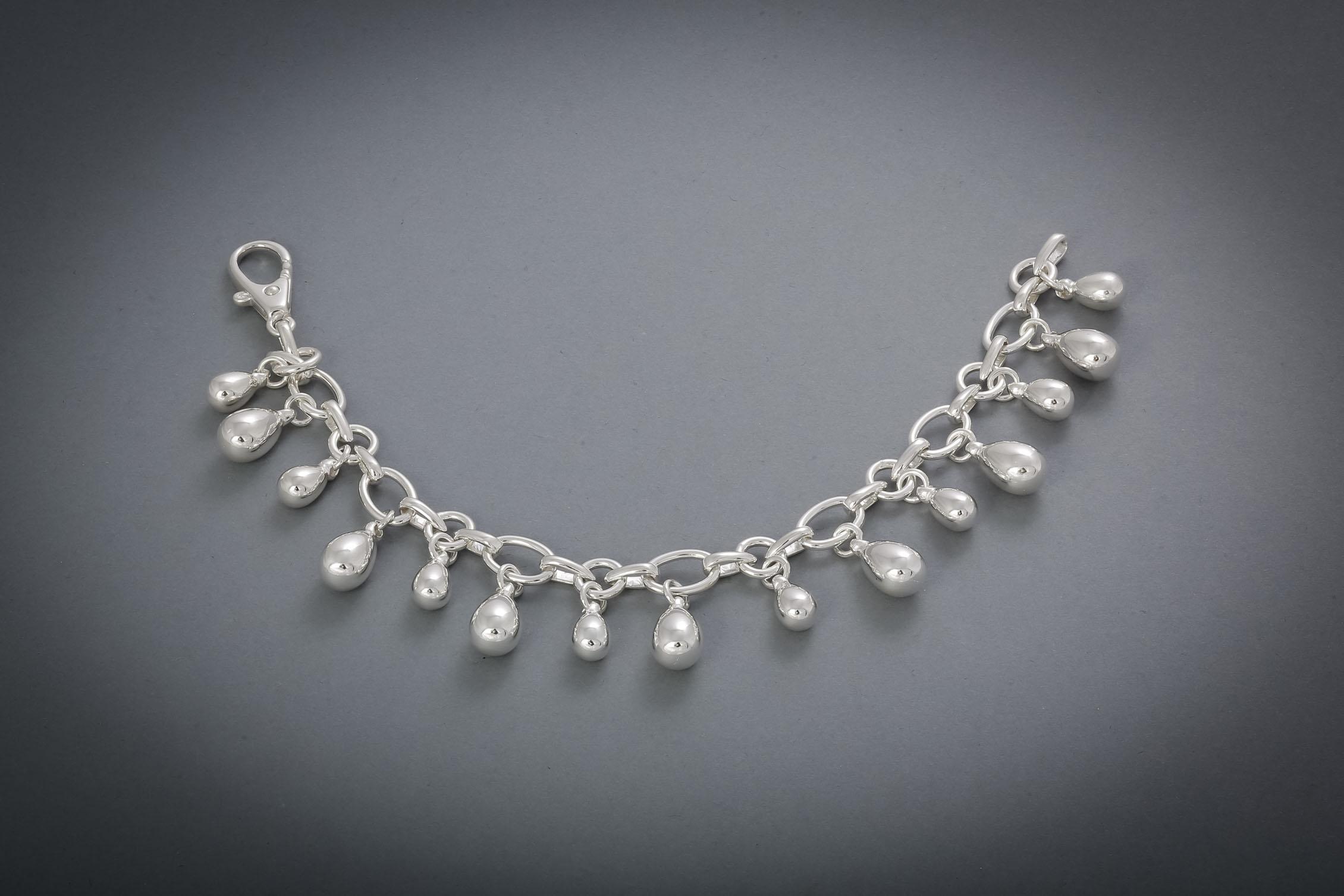 069 Silberarmband, Tropfen € 138,-