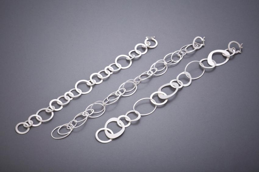 072 Strukturarmbänder, Silber ab € 78,-