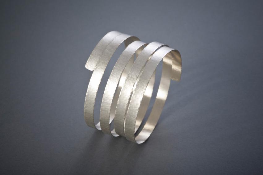 073 Spiralarmreif, Silber € 186,-