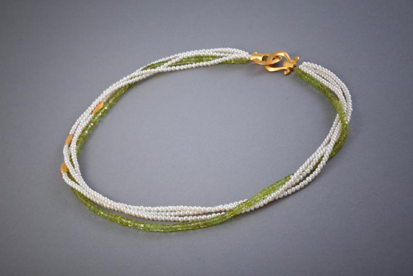 089 Collier, Silber vergoldet, Perlen, Peridot € 412,-