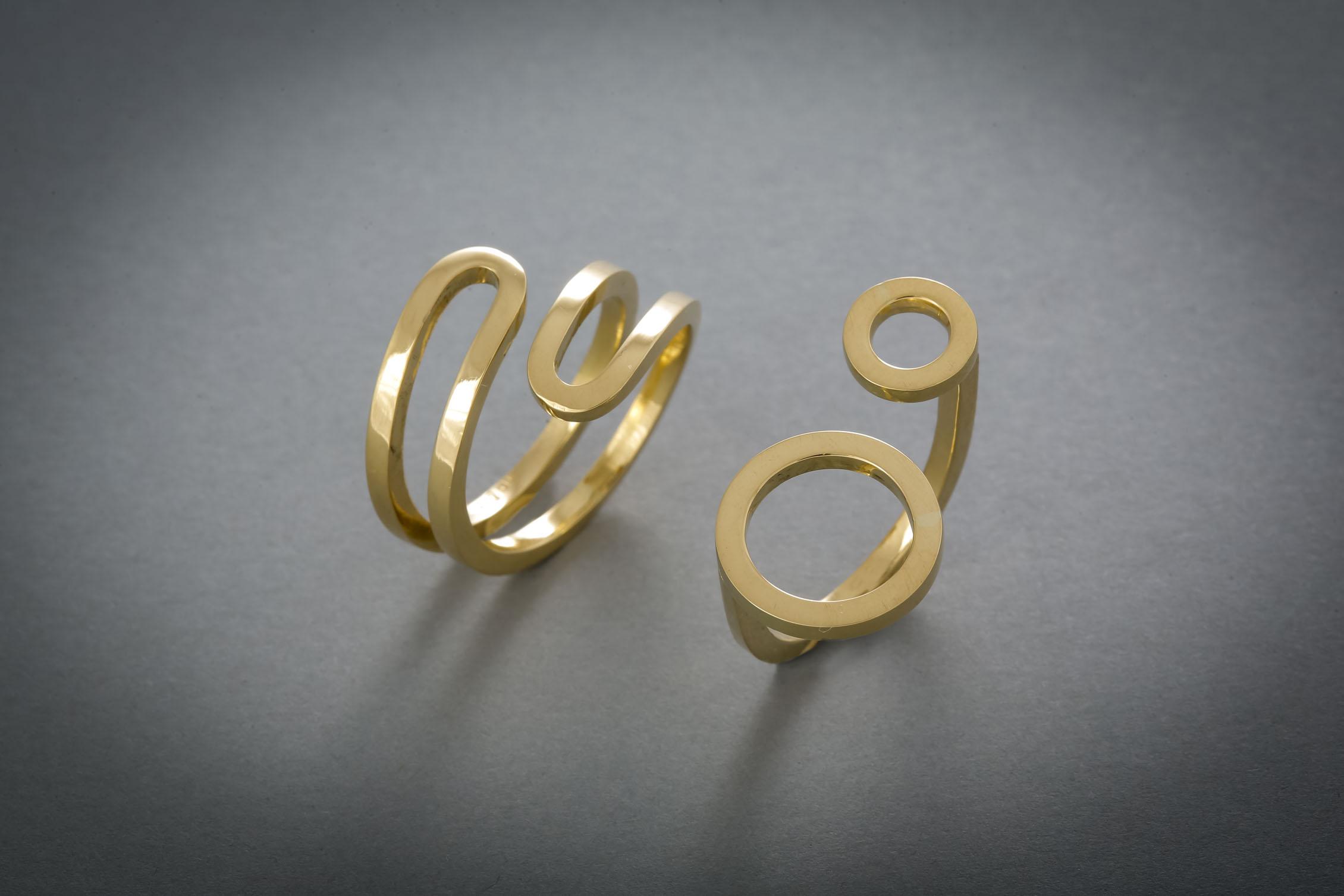 101 Goldring € 848,- Goldring, zwei Kreise € 688,-