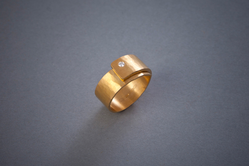 080 Goldring, Brillant, geschmiedet ab € 1176,-