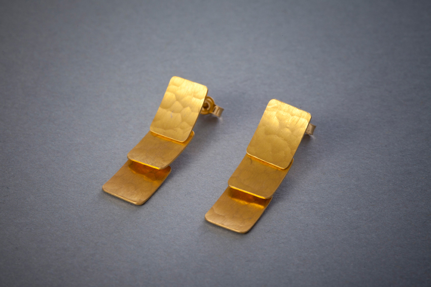 125 Goldohrringe, beweglich ab € 1338,-